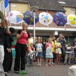 Lian Merkx opent expositie Parasollenoptocht