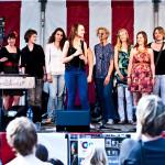 Zingen met Kim (fotoGuus Schoonewille)